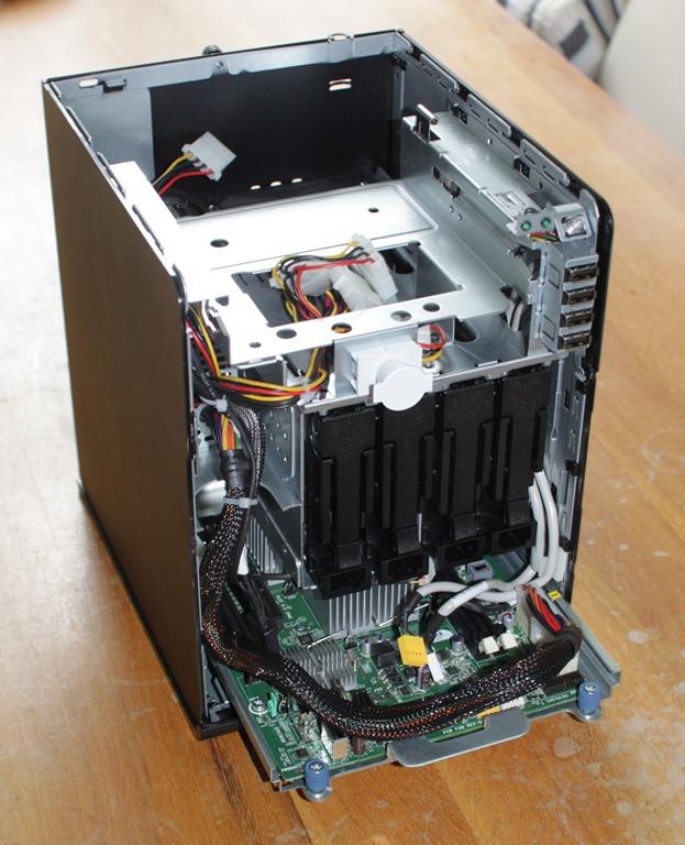 HP-ProLiant-MicroServer-Inside